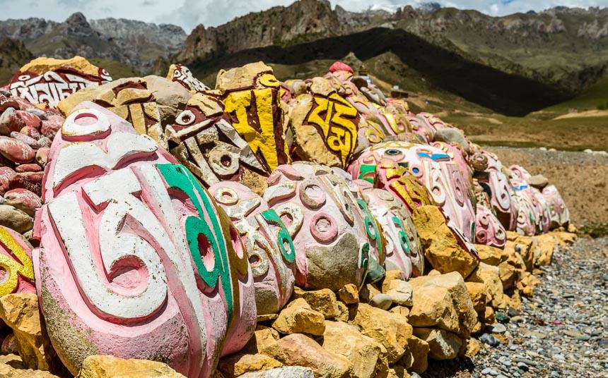Mani stenen in Tibet