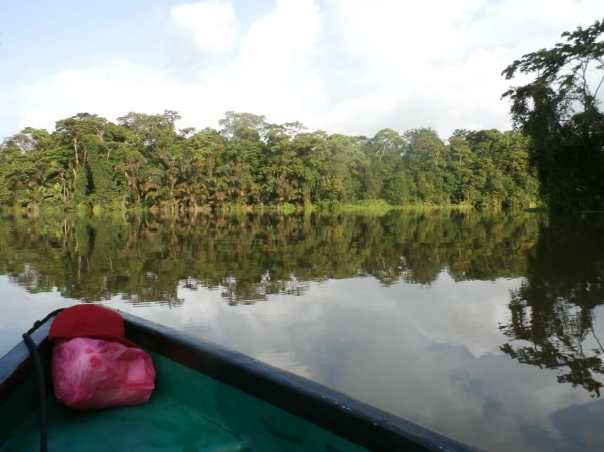 Rondreizen in Costa Rica is.. met een kano op zoek naar dieren in Tortuguero
