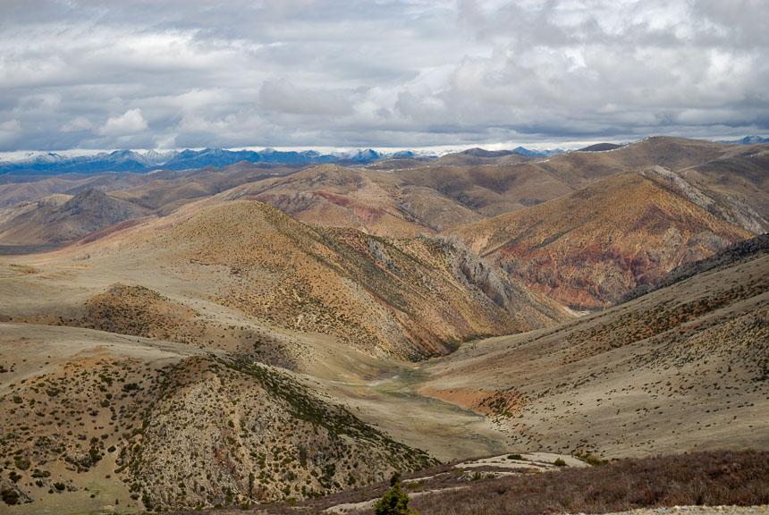 Eindeloze berglandschappen in Tibet