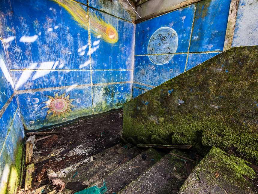 De trappen naar de discotheek van Carlos Lehder