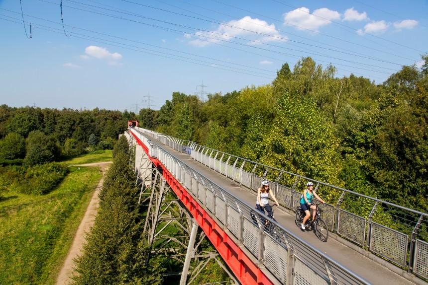 Oude spoorlijnen zijn nu fietspaden, de Erzbahntrasse