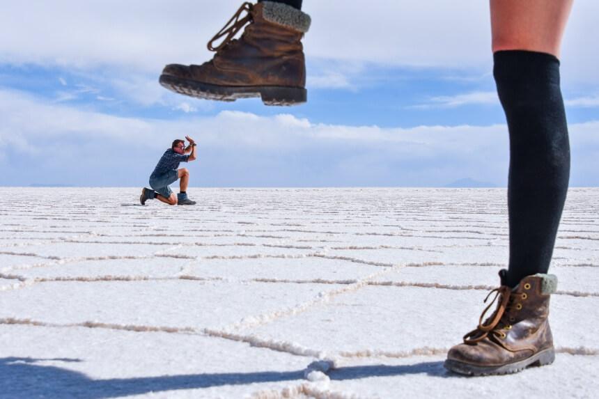 Creatieve fotografie in Uyuni in Bolivia