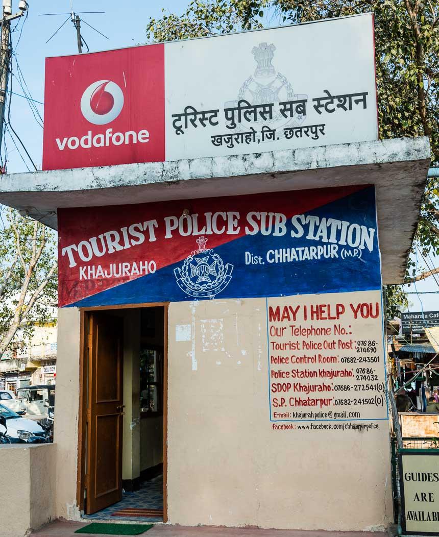 Khajurao - Het bureau van de touristenpolitie