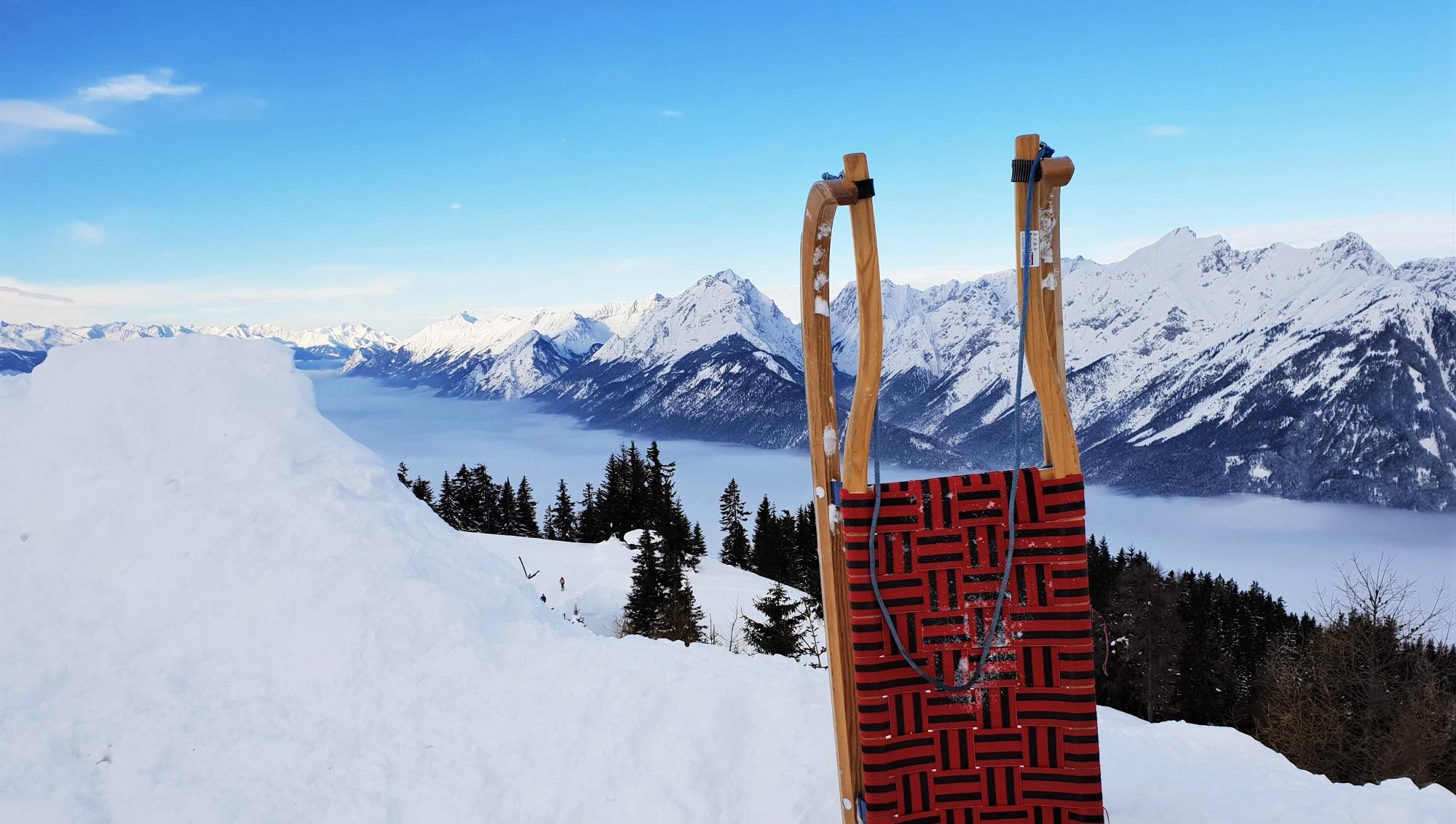Sneeuwpret Voor Volwassenen Rodelen In Tirol Reishonger