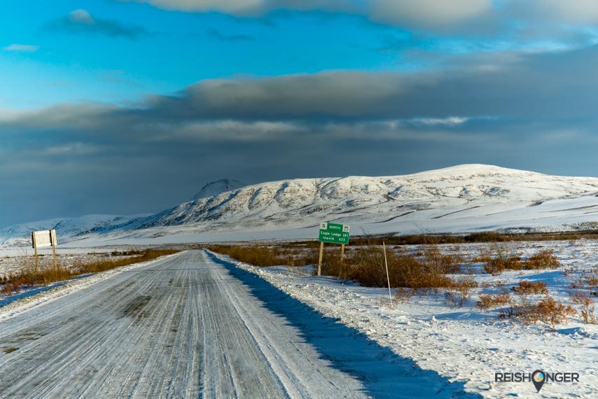 De ruige wildernis van Tombstone Territorial Park ligt aan de beroemde Dempster Highway, anderhalf uur rijden ten noordoosten van Dawson City
