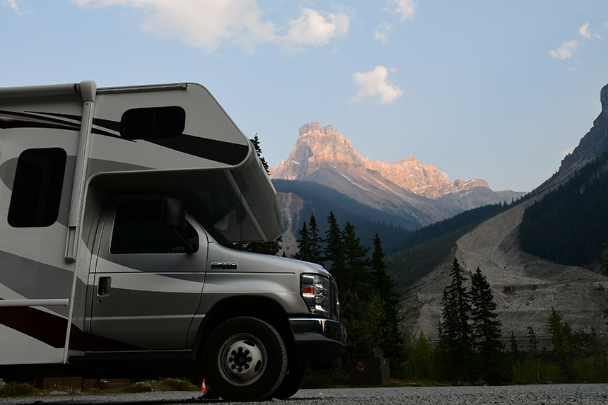 Overnachten met de camper in de Rocky Mountains in Canada