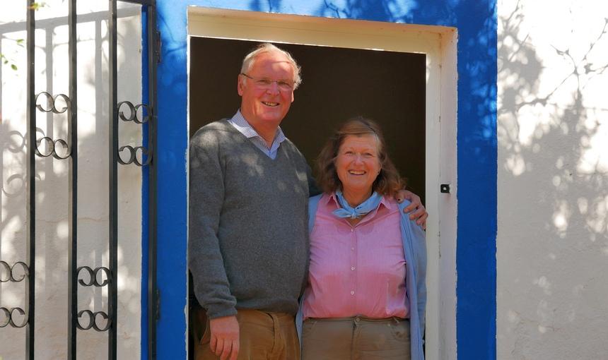 Cuno en Lucia van der Feltz zijn al 38 jaar in Portugal: boerderij met gastenverblijven.