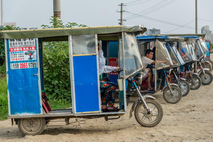 Amateuristisch geknutselde karretjes in Weijianian, Chengdu