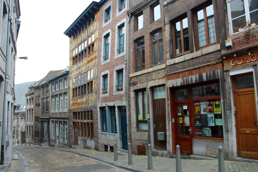 Oude vakwerkhuizen langs de Rue Pierreuse