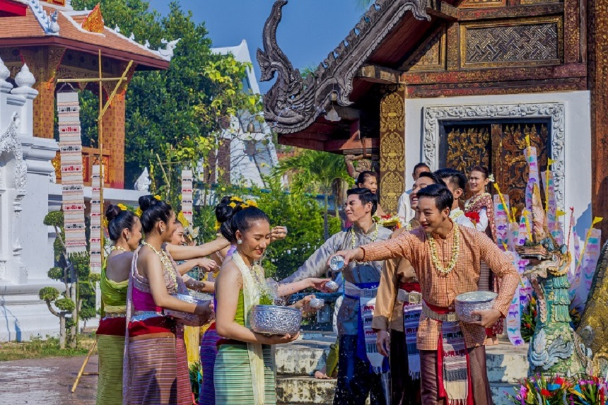 Songkran Festival at Pratu Pong Temple, Lampang