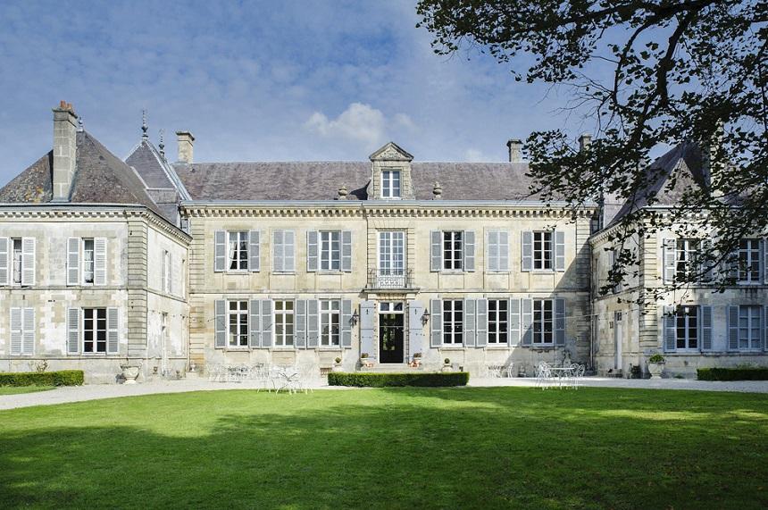 Historisch paleis in Omey in Frankrijk foto 1