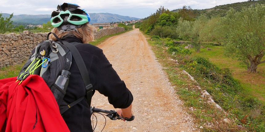 En off we go! Op de pedalen door Dalmatië, langs de kust van Kroatië.