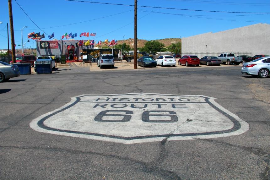 Route 66 roept herinneringen op van cowboy's, klassieke auto's en typisch Amerikaanse diners