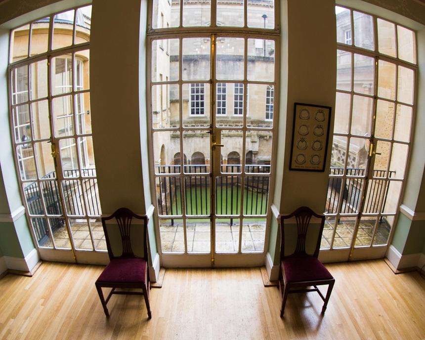 Inmiddels zijn de badhuizen in Bath keurig in oude stijl gerenoveerd