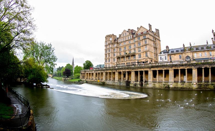 Vanuit Bath is een verdere reis per boot over het kanaal mogelijk