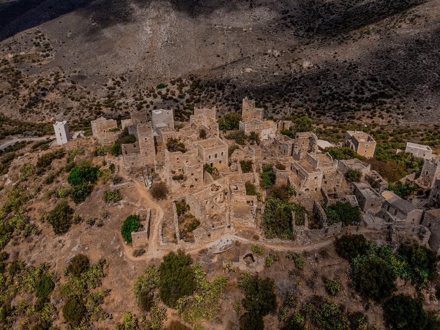 Droneshot van Vathia