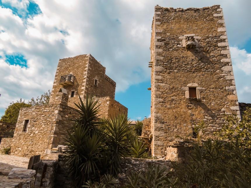 Vathia, een traditioneel dorp op de Mani van de Peloponnesos. Een verlaten dorp vol woontorens en een toeristische trekpleister.