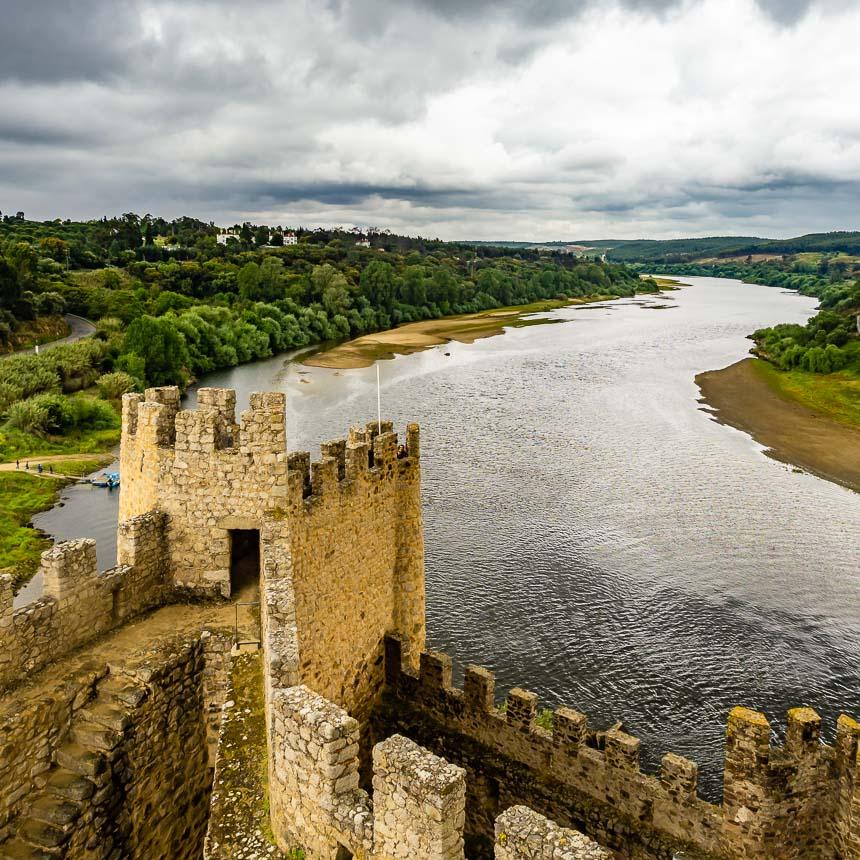 De Taag gezien vanuit het kasteel Almourol