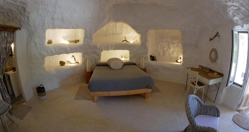 De moderne grotten in Spanje zijn heel aangenaam en licht.