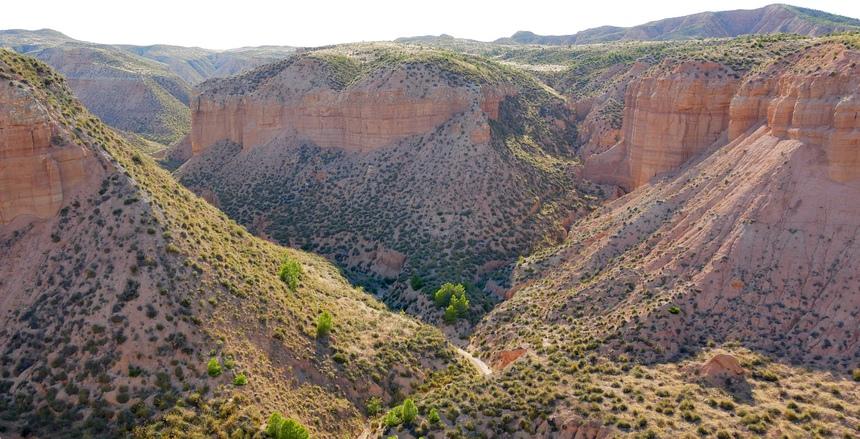 Dit is echt in Spanje. In de woestijn bij Gorafe voel ik me als in Amerika.