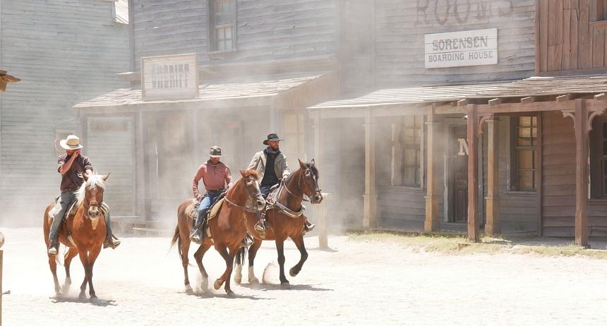 In Spanje zijn in de woestijn bij Tabernas 80 westerns opgenomen. Elke dag zijn er shows.