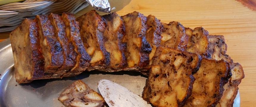 Ontbijten met bananen-walnoot cake: voor de energie.