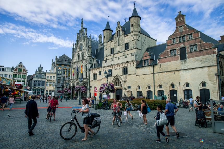 De Grote Markt, het hart van Mechelen