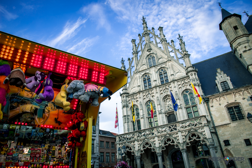 Kermis op de Grote Markt in Mechelen