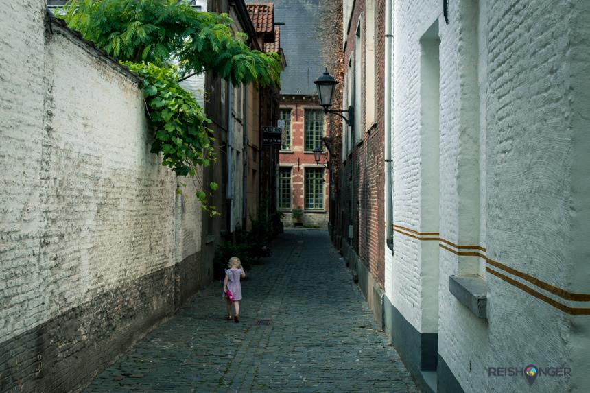 Mechelen, een doolhof van knusse begijnhoven