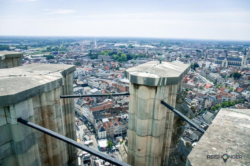 Het uitzicht vanaf de skywalk van de Sint Romboutstoren