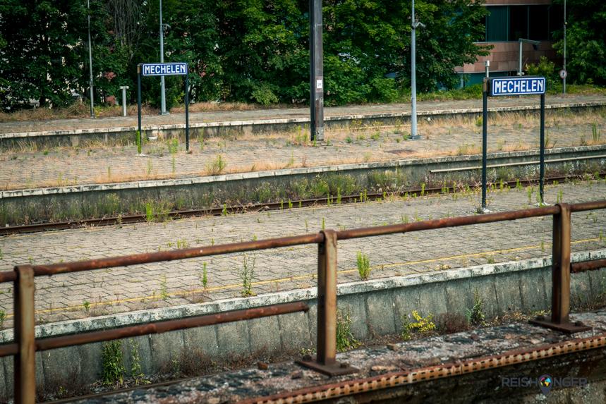 Het grauwe Station Mechelen