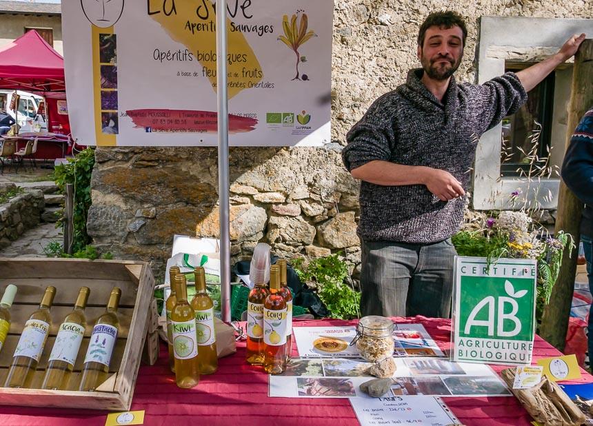 Biologische streekproducten op de markt in Eyne