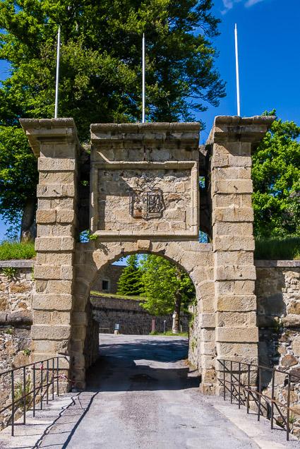 De poort van Mont-Louis