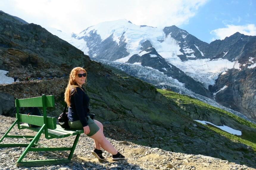 Reishonger auteur Sascha van Zonsbeek in de Franse Alpen