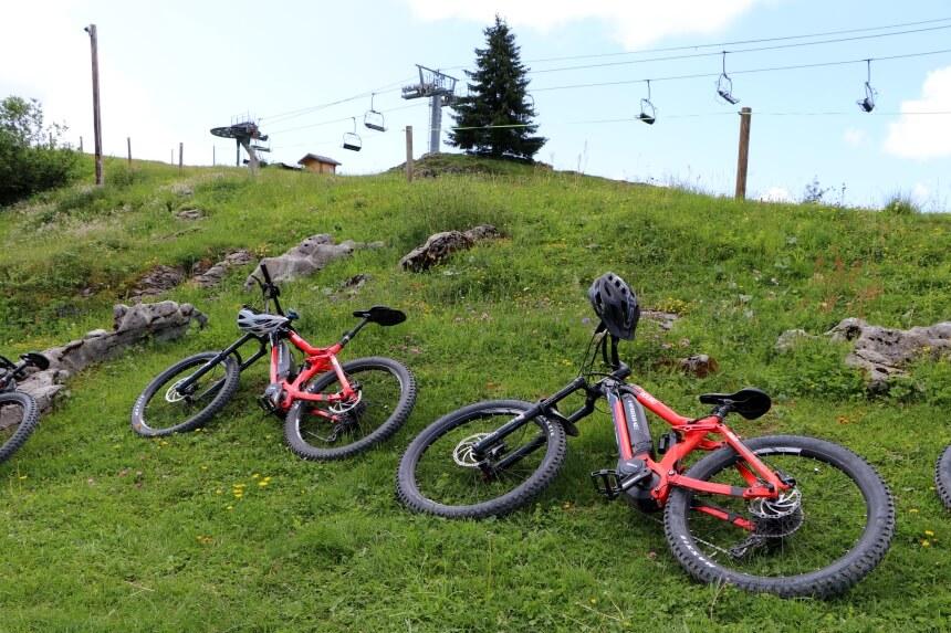Fietsen in de Alpen doe je op een elektrische mountainbike