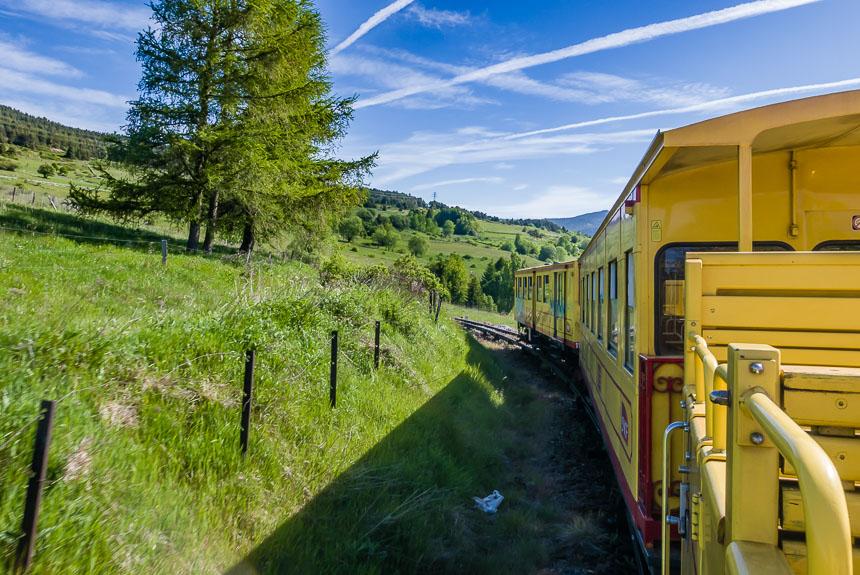 De Ligne de Cerdagne slingert zich door het landschap