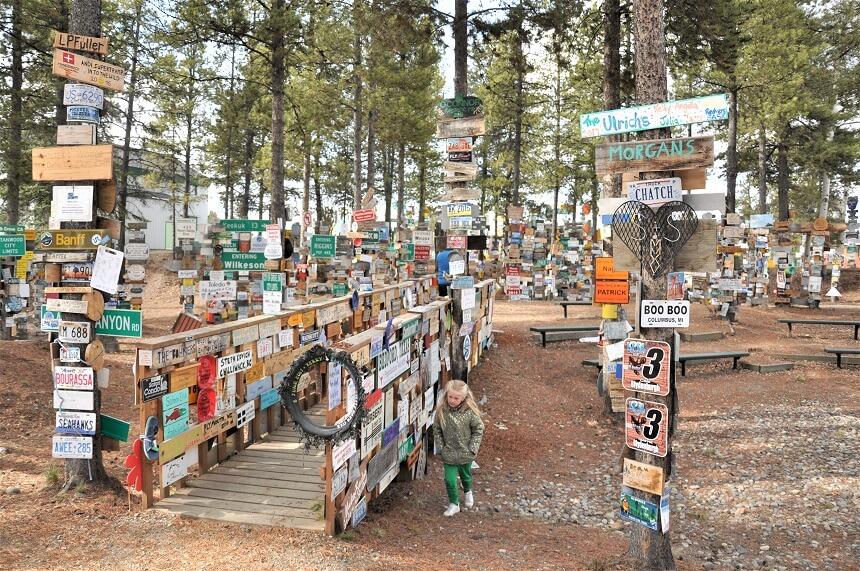 Sign Post Forrest bij Watson Lake