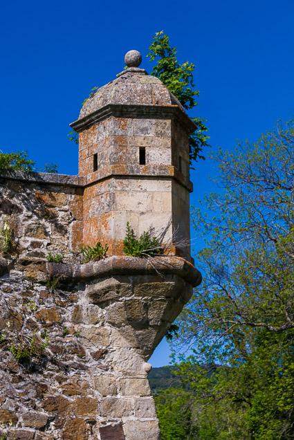 Wachttoren in de muur van Mont-Louis