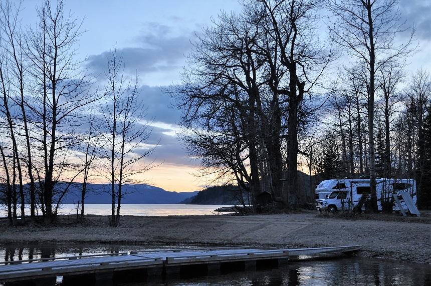 Zonsondergang bij Fraser Lake