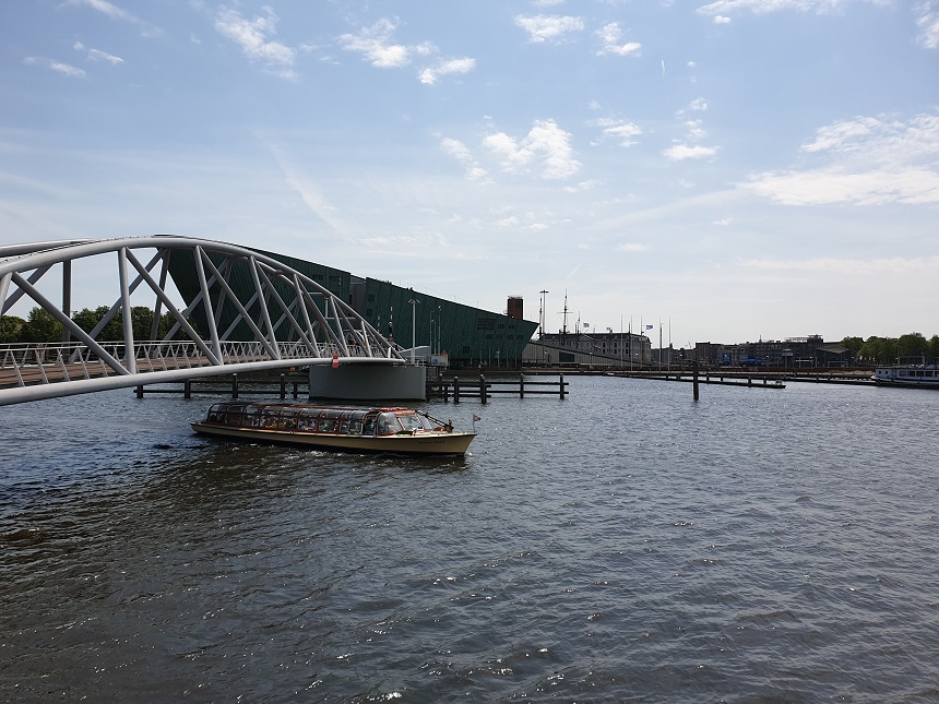 voetgangersbrug NEMO