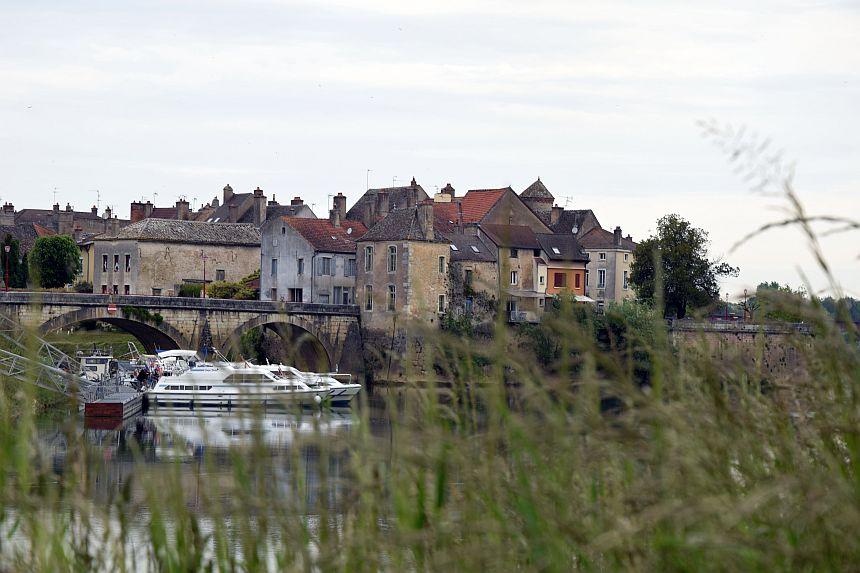 Verdun-sur-le-Doubs langs de Échappée Bleue