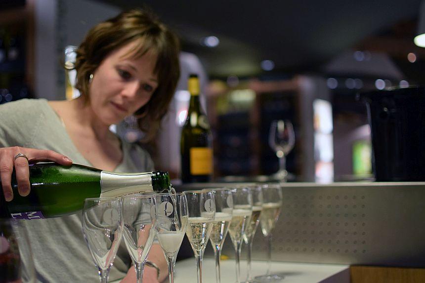 Wijnproeverij bij Cave des Vignerons de Mancey