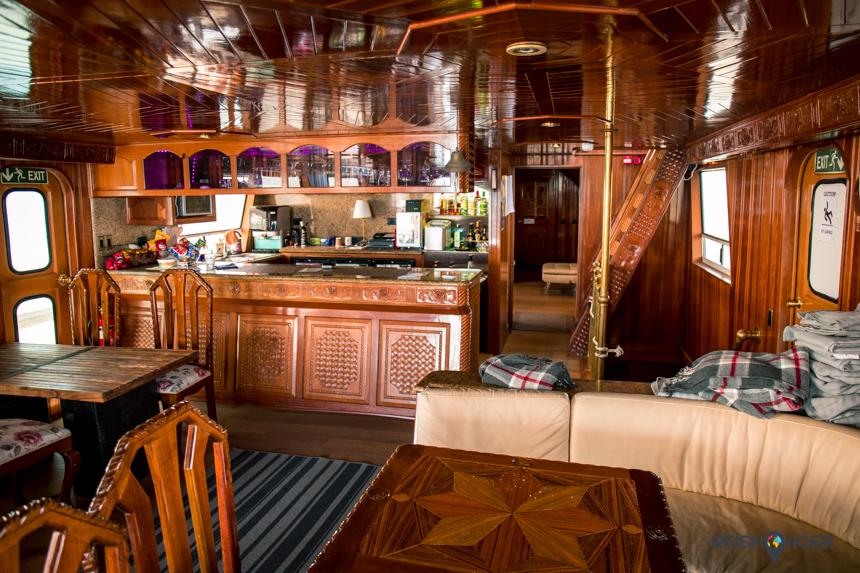 het luxe interieur van de Amelia Rose van Sea Trips
