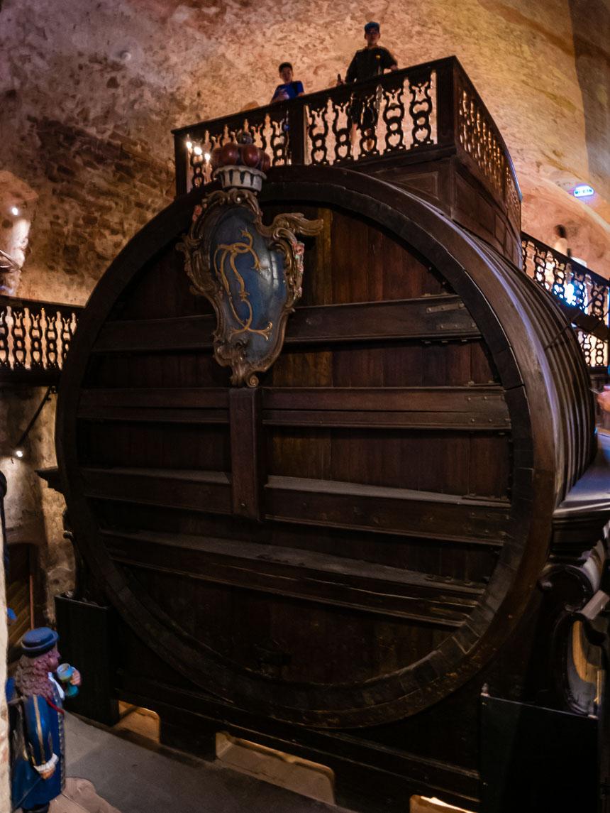 Een wijnvat van 220.000 liter