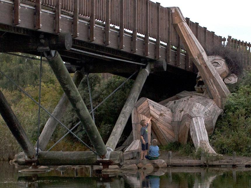 Forgotten Giants Oscar Under the Bridge