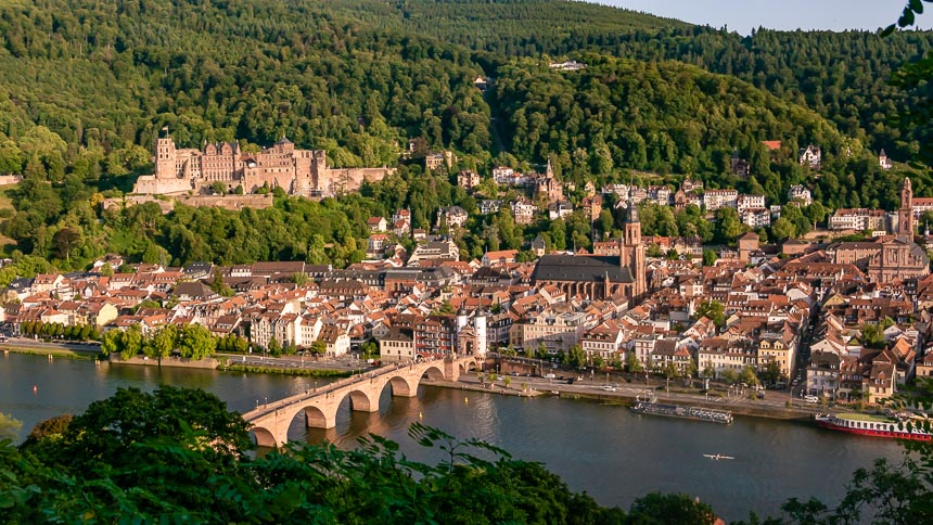 Uitzicht over de oude stad vanaf de Philosofenweg