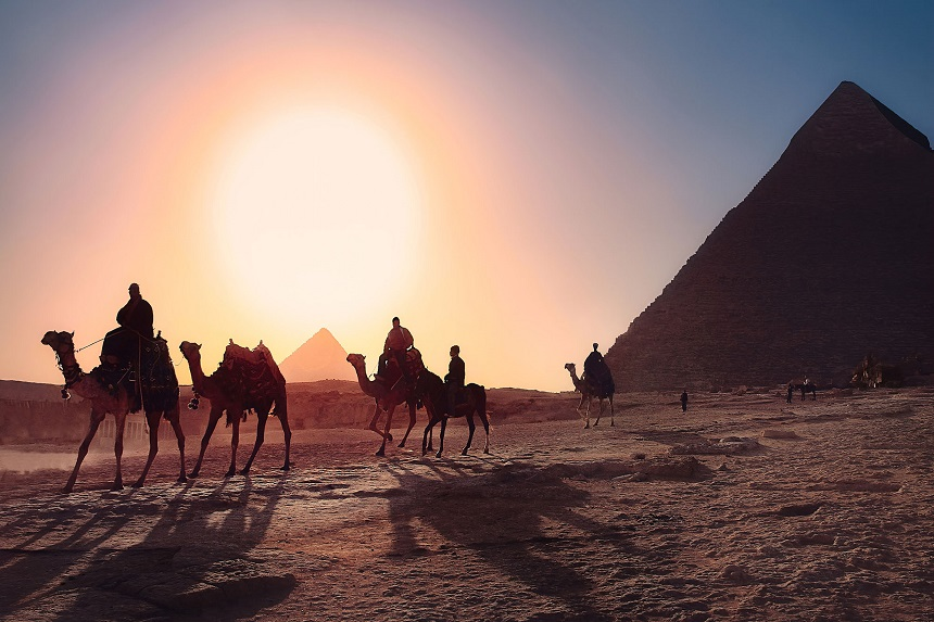 Reisshop Egypte piramides en kamelen