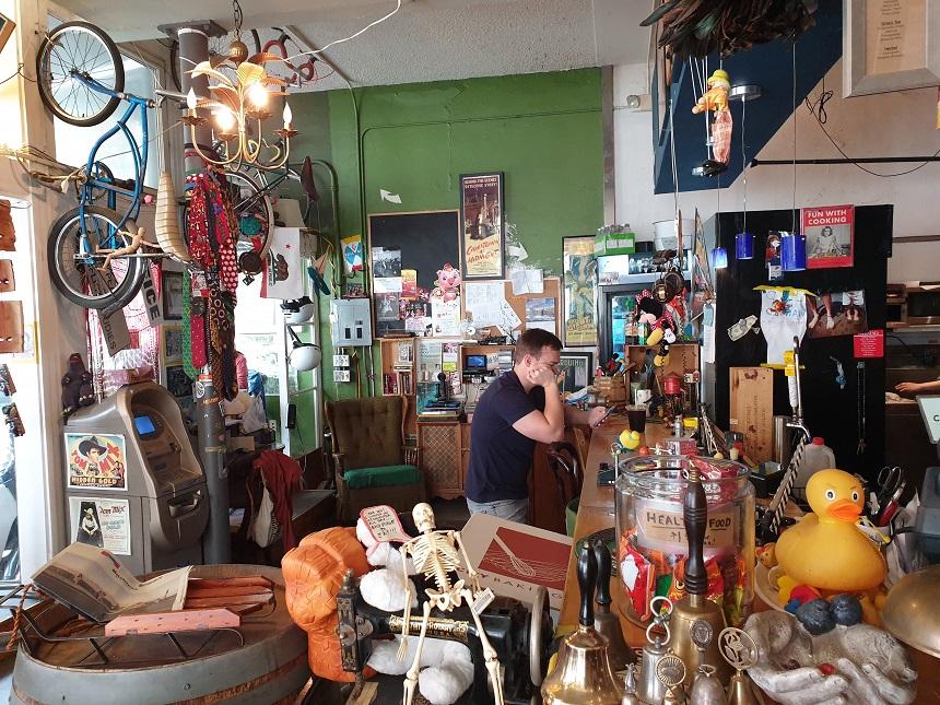 Het heerlijk rommelige Gallery Cafe