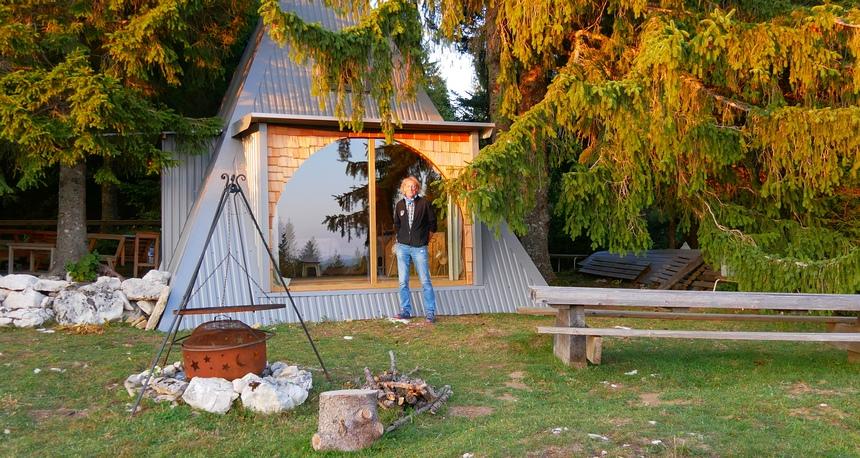 In La Champagne slaap ik heel basic in een hut zonder stroom en water. Heerlijk!
