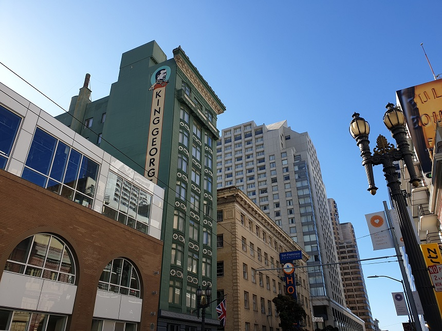 EEn klein stukje Engeland in SF, dat is het King George Hotel